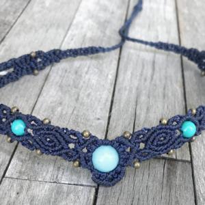 Makramee Halskette / Collier in dunkelblau mit Jade und Amazonit