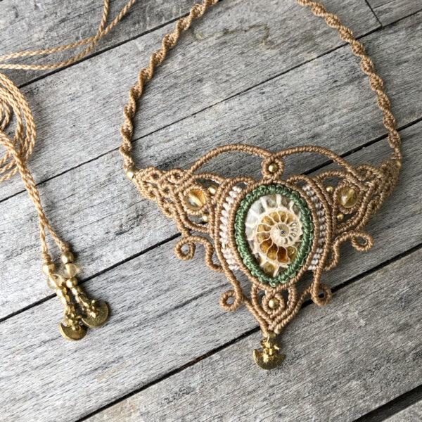 Makramee Halskette Ammonit