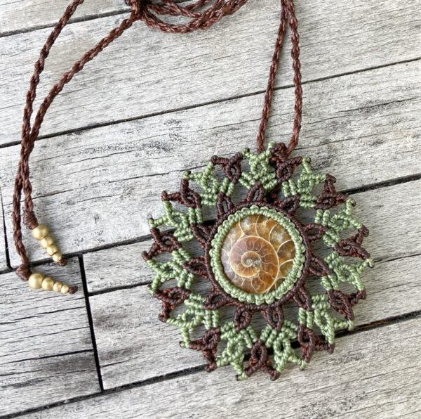 Makramee Mandala Halskette